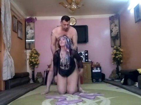 Домашний секс с покорной арабкой