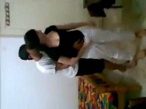 Чеченцы уламывают сестру друга на групповой секс