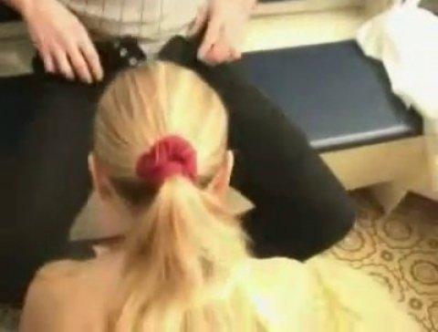 Русская проститутка обслуживает пожилого клиента