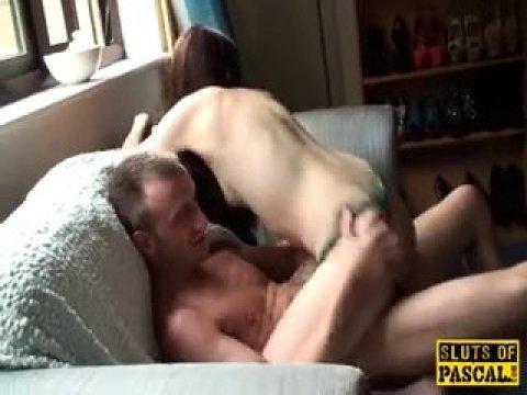 Русский парень трахает свою невесту раком