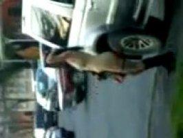 Голая таджичка бегает по улице голая и показывает свое тело