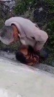 На улице мужик дает в рот опытной узбечке