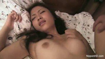Японка напросилась на грубый секс